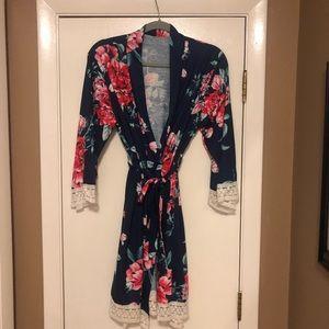 Other - Size medium beautiful robe!!